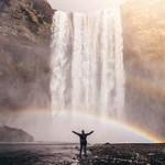 水シャワーヨガで体を癒やし鍛える